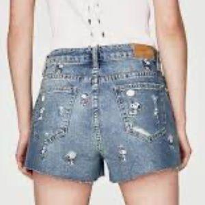 Zara Trafaluc Snoopy Denim Shorts. NWOT. Sz US 8